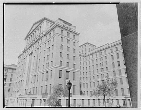 bellevue_hospital_1950.jpg
